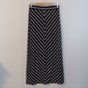 Long Black & White Flowing Maxi Skirt Sz S 4-6 EUC
